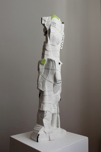 Nr. 12 Magier aus Ionia 2020 Steinzeug bemalt 68 x 20 x 11 cm
