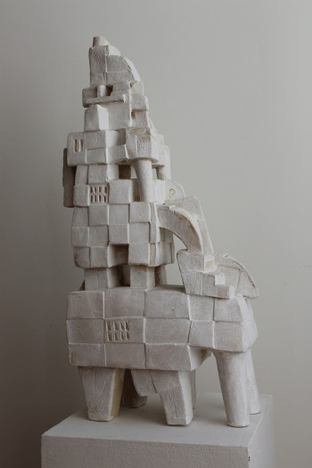 Nr. 16 Architekt 2018 Steinzeug 62 x 28 x 14 cm